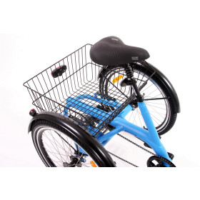 Grand panier arrière sur tricycle